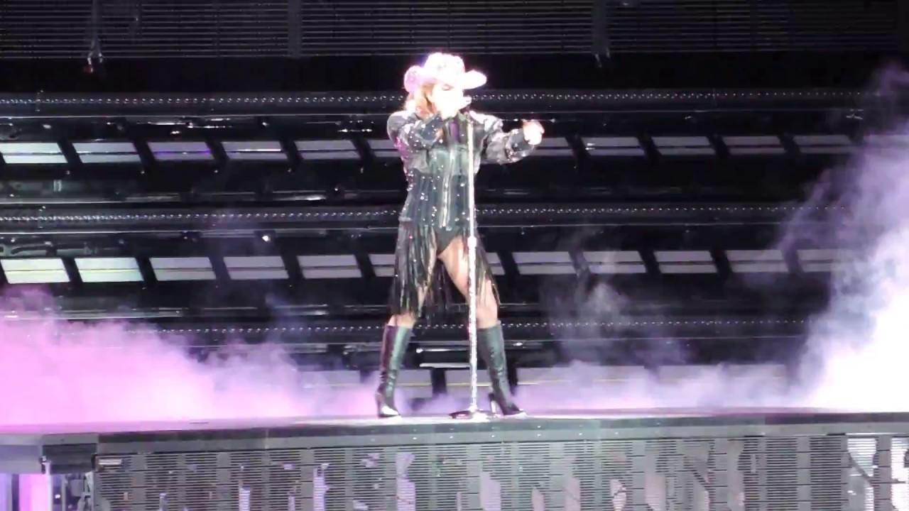 Lady Gaga Diamond Heart Live At Citi Field Youtube