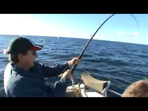 Bay of Islands charter fishing-Captain Bucko fishing with David van Buuren