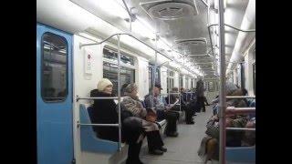 Павел Воля и Марина Кравец поздравляют нижегородцев с Новым годом в метро