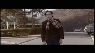 """""""C'est des cons les photographes"""" - Patrick Dewaere dans """"Beau Père"""" (1981) - english subtitles"""