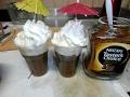 קפלידה קפה עם גלידה וקצפת כמה מפנק ומרעננן.
