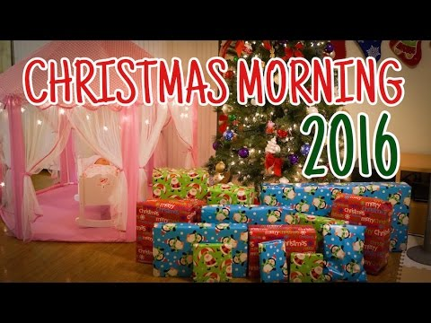 CHRISTMAS MORNING 2016 クリスマスの朝[3兄妹] - YouTube