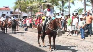 Lo mejor del desfile de caballos charros, Puerto Vallarta, Jalisco, Mexico fiestas patrias 2013