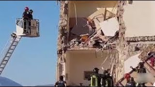 В пригороде Неаполя обрушился четырехэтажный жилой дом