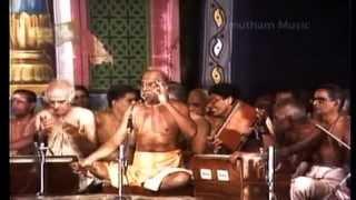 Swami Haridas Giri Guruji Divine Dance - Deepa Pradhakshinam - (LIVE-1992)
