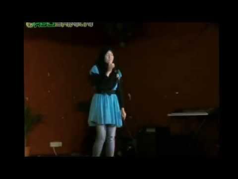Ainan Tasneem - Setengah Hati [Live @ KK9 UM] berserta lirik