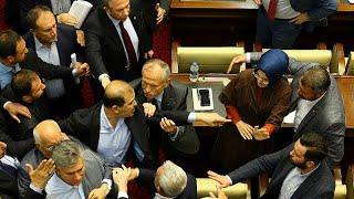 : Ankara Büyükşehir Belediye Meclisi'nde arbede