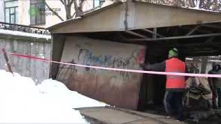 В центре Вологды демонтировали незаконно установленный гараж(, 2015-01-16T15:14:04.000Z)