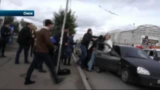 в Омске активисты