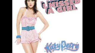 Katy Perry - I Kissed A Girl [HQ]