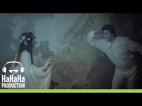 Smiley & Feli - Vals (Official video) play