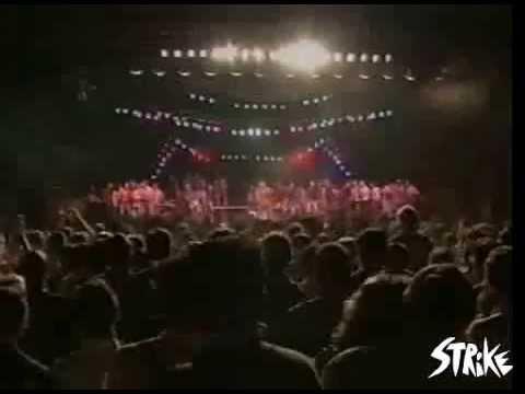 Nuntereggaepiu - Live @ Arezzowave - 1993