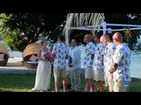 Amy & Will Goodman Beach Wedding Gili Gede