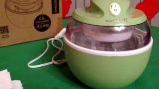 Мороженица бытовая полуавтоматическая. Прибор для приготовления замороженных десертов.