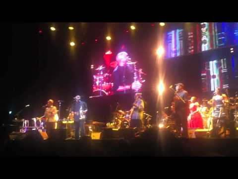 Hugh Masakela tijdens Graceland, Bring back Nelson Mandela - Ziggi Dome, Amsterdam, 18-7-2012