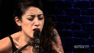 Alexia Rodriguez, Eyes Set To Kill sings acoustic version of Doll Parts on EMGtv