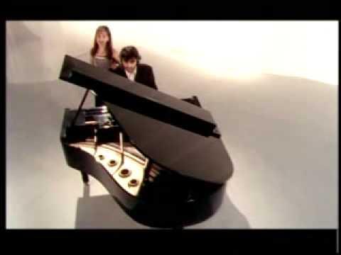 Vivo por EllaAndrea Bocelli & Sandy CLIP DirectorMarcello Bloisi ProducerAlex Maciel