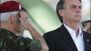 Após oficializar candidatura, Bolsonaro surpreende as Forças Armadas em palestra no RJ