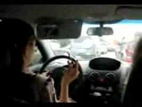 девушки фото на машине