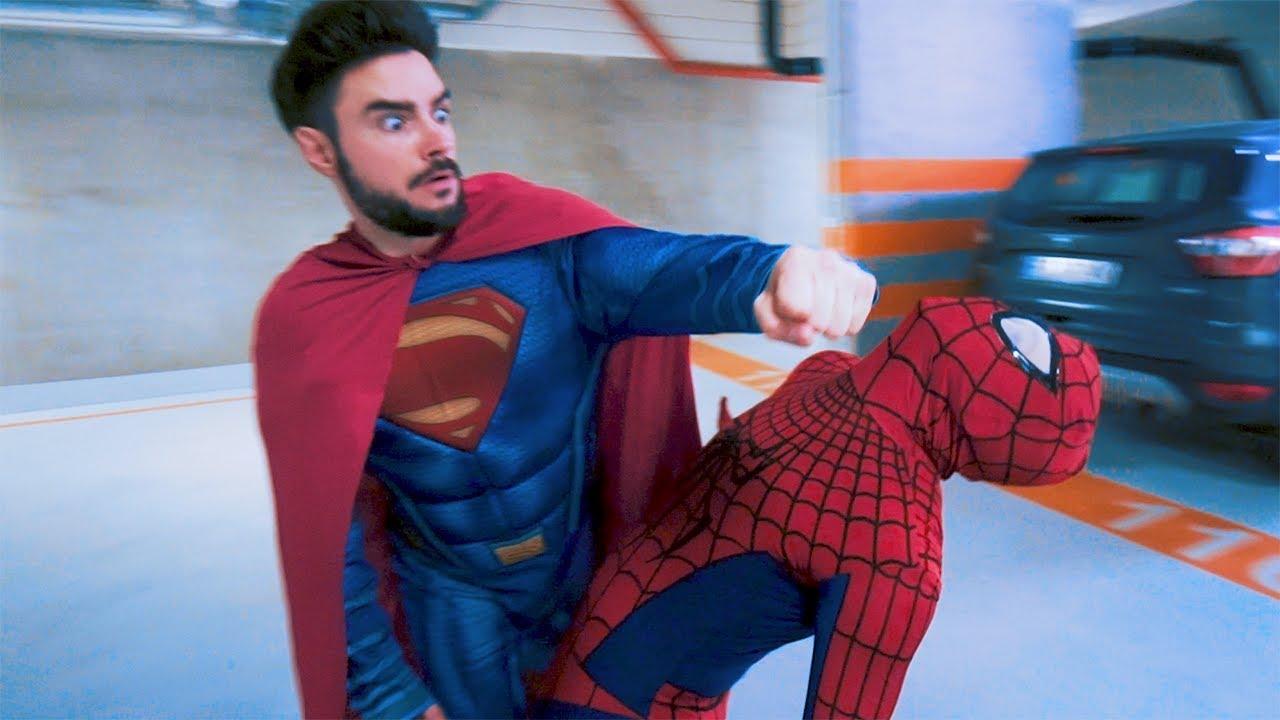 SPIDERMAN VS SUPERMAN | Danny Ferreri, LM96, Stuu & Mamiko