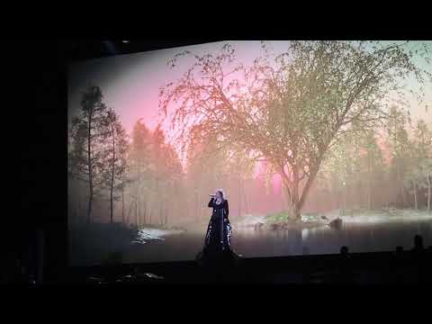 "Kelly Clarkson Live ""Never Enough"" Staples Center"