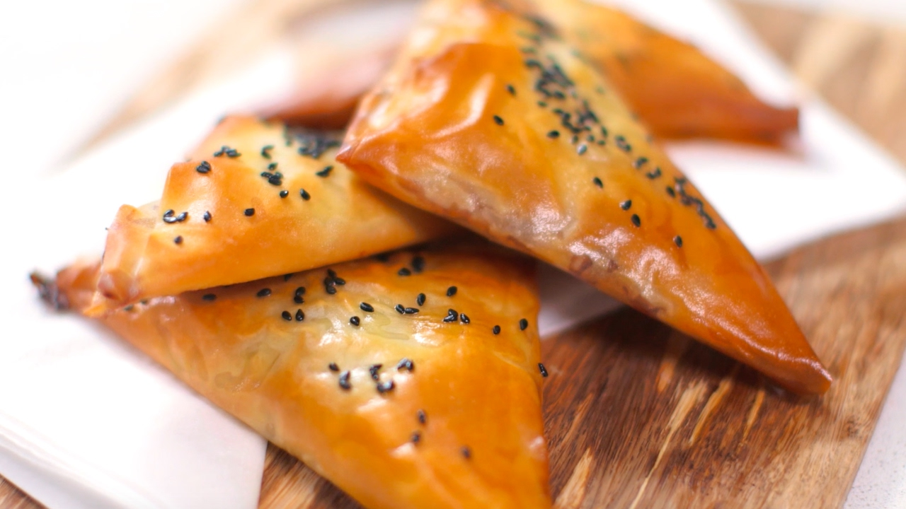 How to use filo pastry bbc good food youtube forumfinder Choice Image