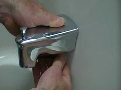 Very Common Leak Around A Bathtub Or Shower Quick And Easy To Prevent By Every Homeowner