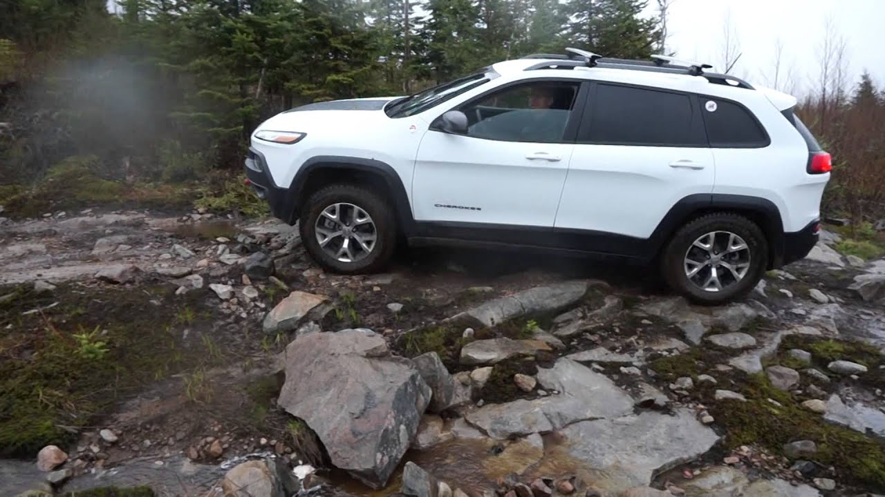 2014 jeep cherokee trailhawk off road in tremblant at the. Black Bedroom Furniture Sets. Home Design Ideas