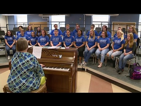 East Liverpool High School choir to perform with Foreigner