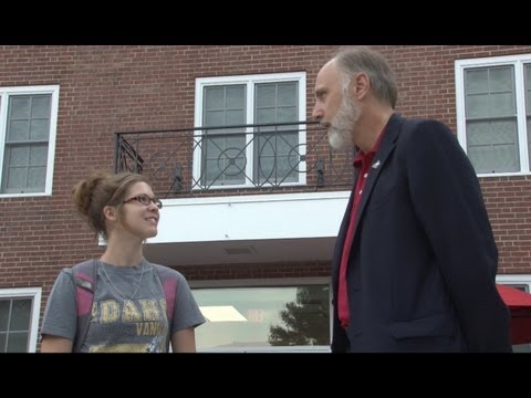 President Doug Baker experiences first NIU Move-In Day