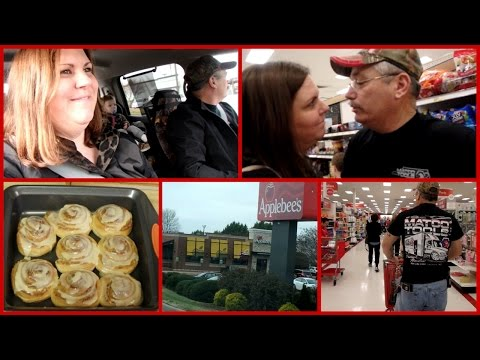 Bad Experience at Applebee's & Shopping Vlog