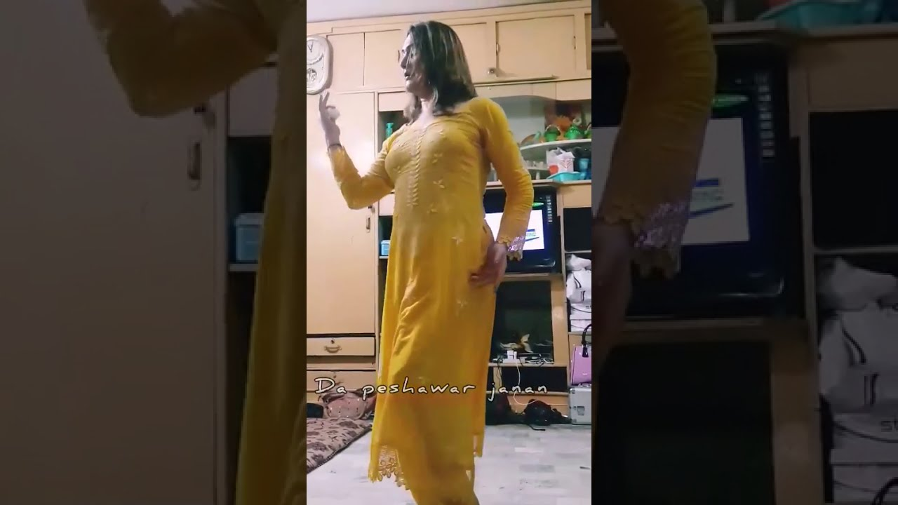 Hot sexy mujra dance at home hottest sexy dance