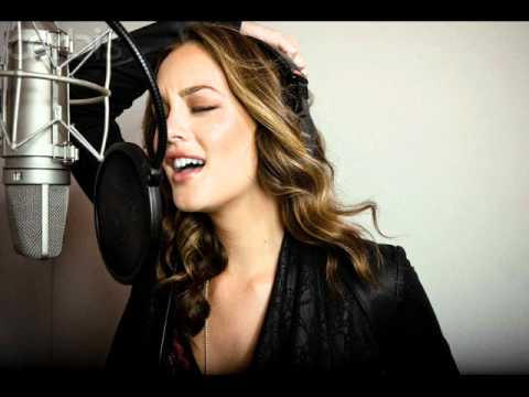 Leighton Meester - A Little bit Stronger