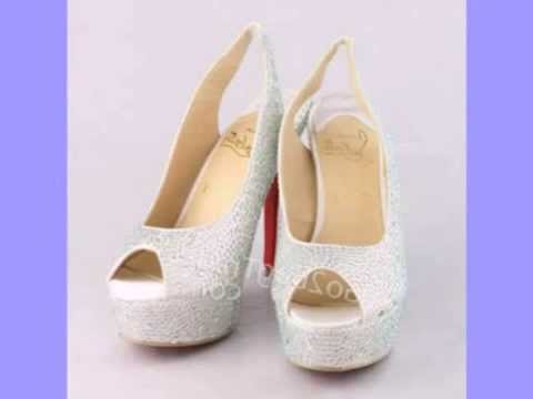 Белые туфли Christian Louboutin FA