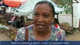 Les jeunes à Madagascar font un reportage de l