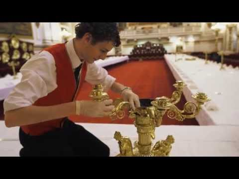 Transforming the Ballroom at Buckingham Palace for a State Banquet