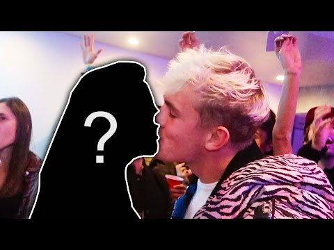 Thumbnail: MY NEW YEARS KISS