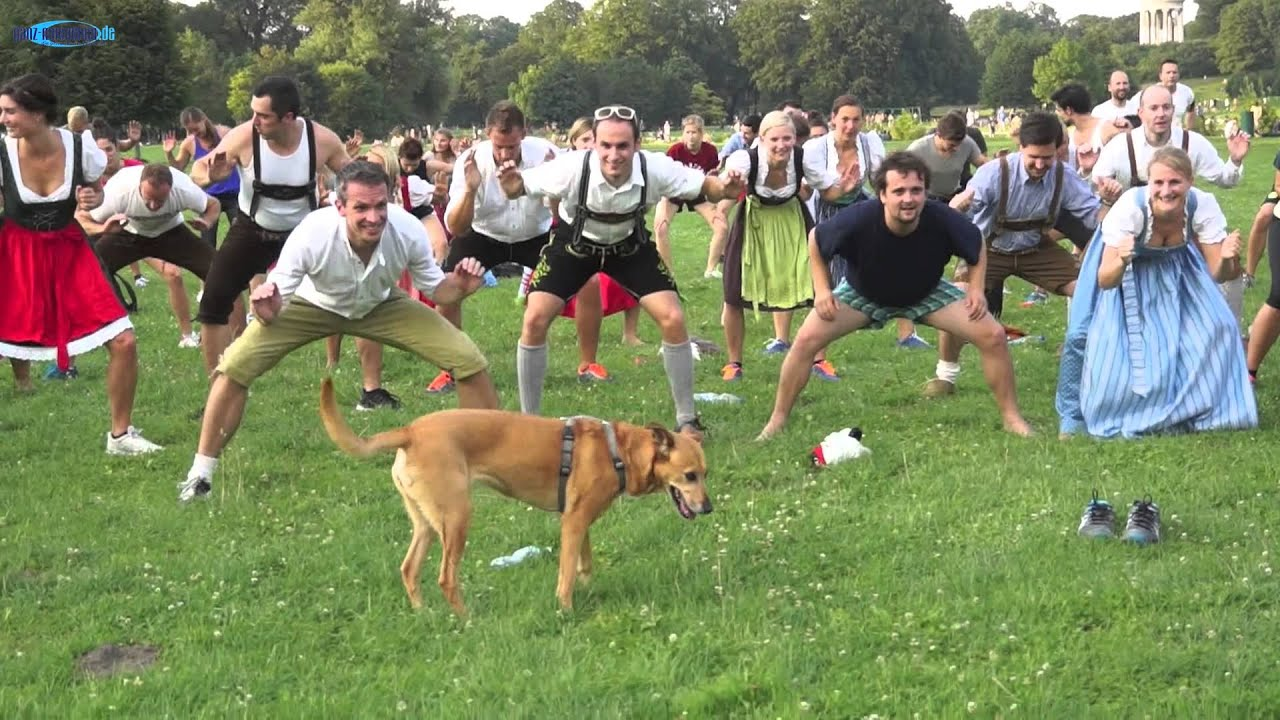 Funny Dog Workout - Lederhosentraining @ Englischer Garten ...