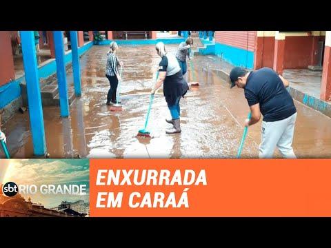 Forte enxurrada deixa escola sem aulas em Caraá - SBT Rio Grande - 29/05/19