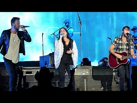 Lady Antebellum - Need You Now (LIVE FEQ Quebec 2017) HD