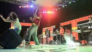 Download Mp3 Momonon - Makan Tuh Cinta  Live In Jakarta Reggae Movement