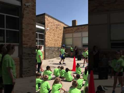 Leedom Elementary school 5th grade dance 2017 part 1(can't stop the feeling)