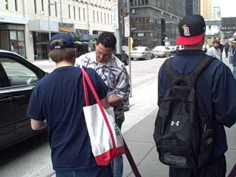 Luis Rodriguez and Franklin Gutierrez signing autographs