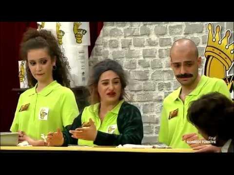 Komedi Türkiye - Beren Akyüz'ün Tuvalet Zinciri Skeci (1.Sezon 13.Bölüm)