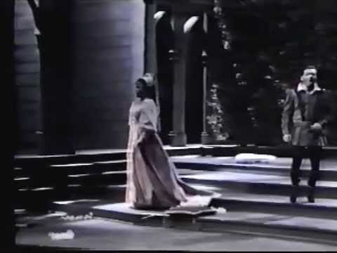 DONIZETTI: La Favorita (part 1 of 3)  Rico Saccani, conductor