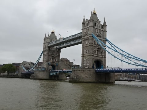 Tower Bridge, London - walk thru