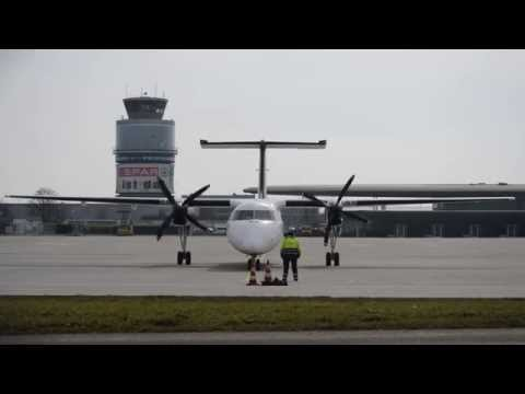 InterSky Dash 8 getting ready for takeoff | OE-LIC