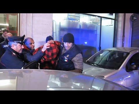 Sfregiata con l'acido a Rimini: nel VIDEO l'arresto del compagno, 29enne originario di Capo verde