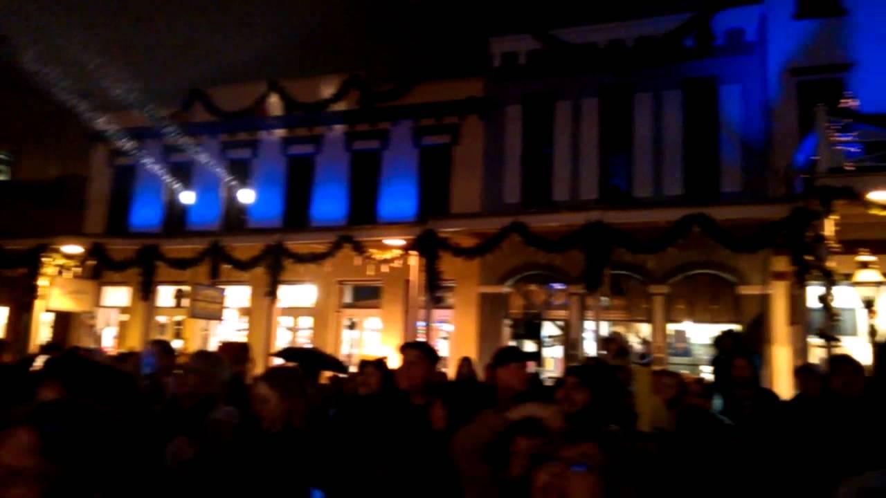 Old Sacramento Christmas light show - YouTube