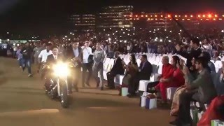 Shahrukh Khan Entry At Jio Event thumbnail